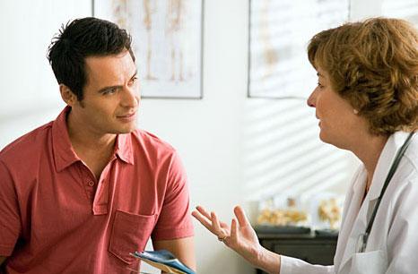 پزشک یا دندان پزشک به راحتی میتواند خشکی دهان شما را درمان کند